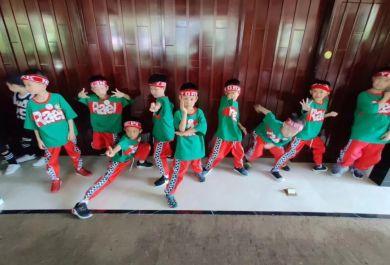 成都首酷幼儿街舞启蒙课程